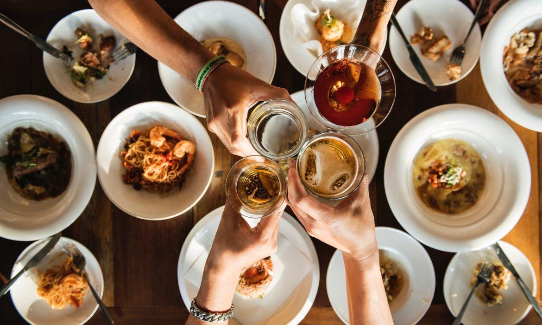 اتيكيت تحضير طاولة الطعام على الطريقة العصرية