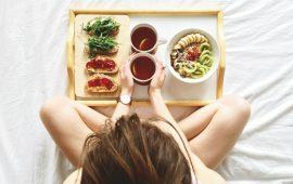 5 أطعمة تجنبي تناولها خلال فترة الحيض