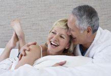 6 فوائد لممارسة العلاقة الحميمية بعد سن الأربعين