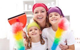 لإكتساب صفات إيجابية.. عودي طفلك على القيام بالأعمال المنزلية حسب سنه