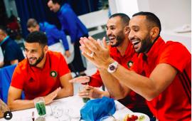 لاعبو المنتخب الوطني يغنون للمجرد وفيصل فجر يبدع بالأمازيغية