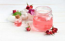 تعرفي على فوائد ماء الورد ووصفاته الطبيعية لتكبير الصدر