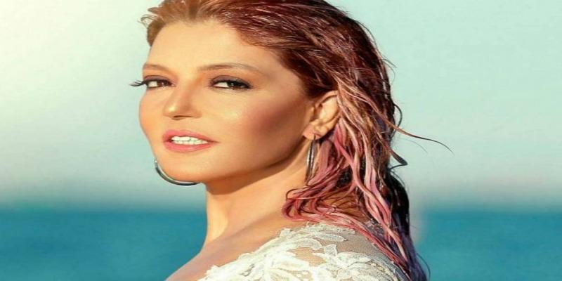 """Photo of سميرة سعيد تظهر بـ """"لوك"""" وكأنها في العشرينات"""