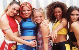 """لمّ شمل فرقة Spice Girls الشهيرة دون """"فيكتوريا بيكهام"""""""