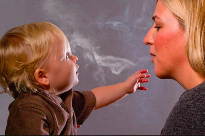 Photo of تجنبي التدخين أمام طفلك لحمايته من هذه الأمراض