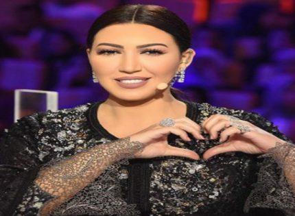 بالصور.. إستوحي إطلالة عزومة رمضان من قفاطين الفنانة أسماء لمنور