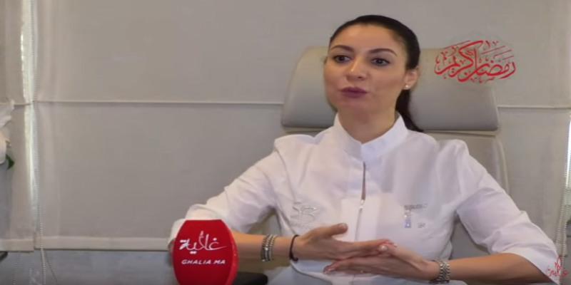 """صورة فيديو- أخصائية الترويض الطبي توضح لـ""""غالية"""" طرق العلاج بالترويض الطبي الطبيعي في رمضان"""