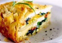 """مطبخ رمضان.. طريقة تحضير """"طورتيلا"""" بالسبانخ والسلمون"""