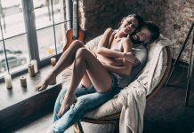 """لكسر الملل في العلاقة الزوجية.. جربي وضعيات """"كرسي الرومانسية"""""""
