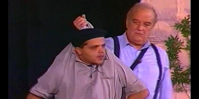 """صورة بعد شائعة موته.. الممثل حسن حسني يشرب """"شيشة"""" مع محمد هنيدي"""