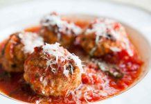 مطبخ غالية: طريقة تحضير كرات الكفتة بالبيض مع صلصة الطماطم