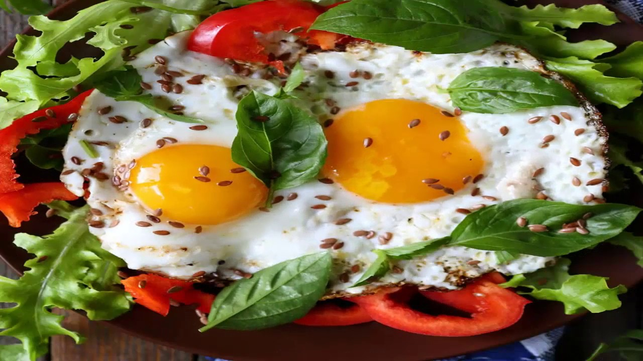 صورة مطبخ غالية.. البيض بالأعشاب والريحان لفطور صحي