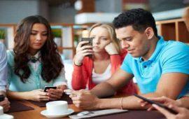 دراسة حديثة: إدمانك على الهاتف المحمول يصيبك بهذا المرض