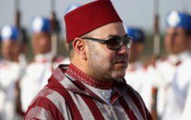فنانة مغربية تضع وشما يحمل اسم الملك محمد السادس -فيديو