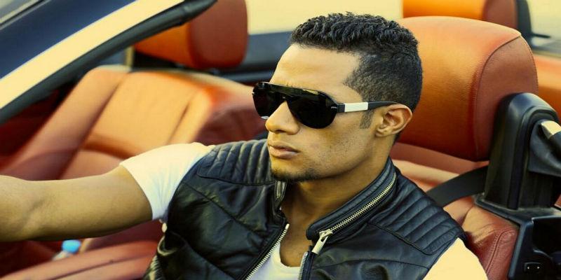 صورة حقيقة دفع فنان مصري للمغني الشعبي محمد رمضان – فيديو