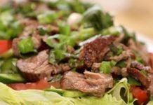 """طريقة تحضير سلطة """"التاي"""" التايلاندية باللحم"""