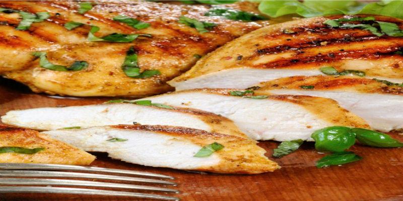 مطبخ غالية.. طريقة تحضير دجاج مشوي بالريحان للرجيم
