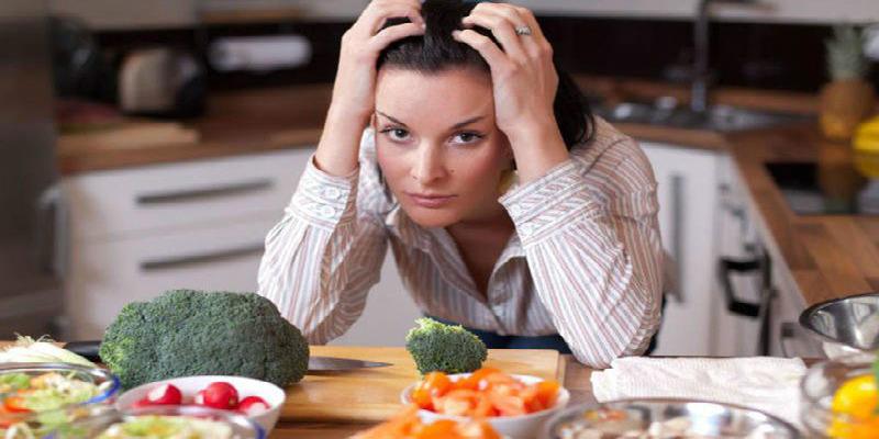 صورة كيف تكافحين الاكتئاب بالأكل؟
