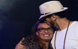 """والدة سعد لمجرد تحتفل وترقص على أنغام أغنية """"يخليك ليلي""""- فيديو"""