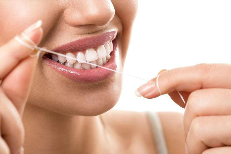 Photo of 5 طرق طبيعية وصحية للتخلص من جير الأسنان