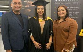 توجت كأفضل طالبة في جامعة الإنجليزية.. البشير واكين يفتخر بإبنته
