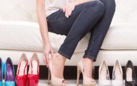 طرق سهلة لتوسيع الحذاء الضيّق