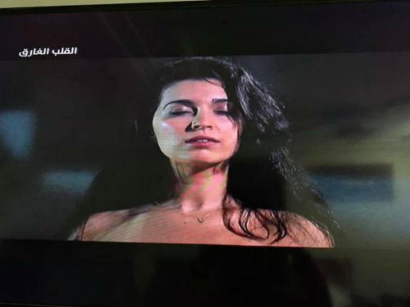 """Photo of فرح الفاسي تغضب المغاربة بسبب مشاهدها المثيرة بفيلم """"القلب الغارق""""- فيديو"""