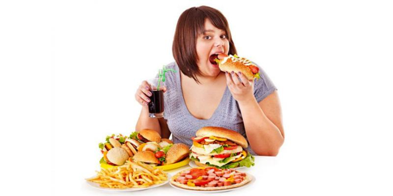 5 أبراج تحب الإفراط في الأكل