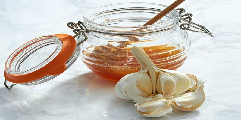 تعرفي على فوائد الثوم والعسل لجسمك