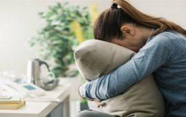 تعرفي على الفرق بين الحزن والاكتئاب لتجاوز حالتك النفسية السيئة
