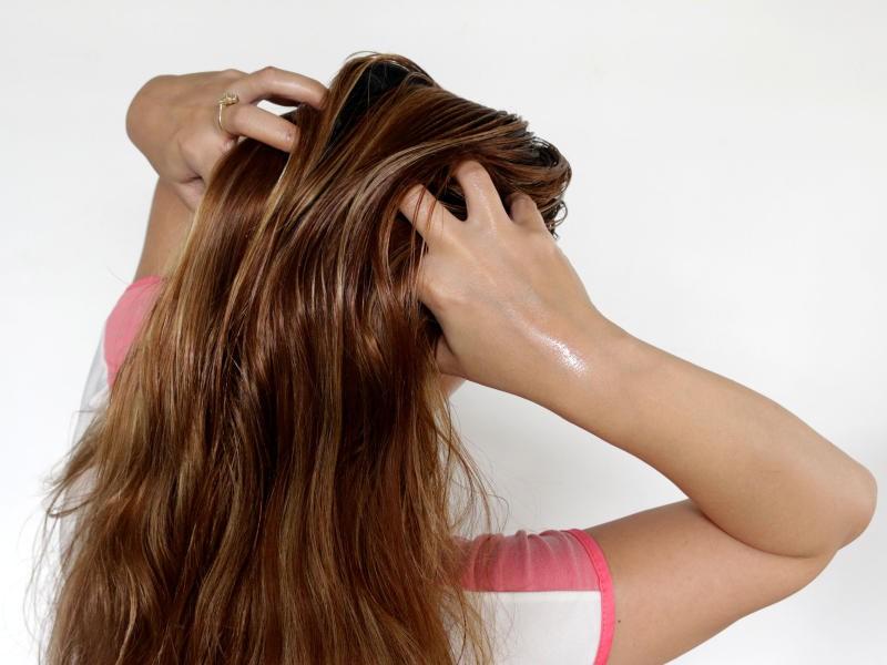 صورة وصفة طبيعية للحصول على شعر طويل وناعم