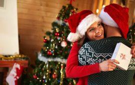 5 أفكار هدايا قدميها لشريكك في عيد رأس السنة