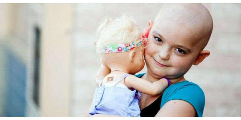 صورة المغاربة يدعون لحلق الشعر تضامنا مع مرضى السرطان