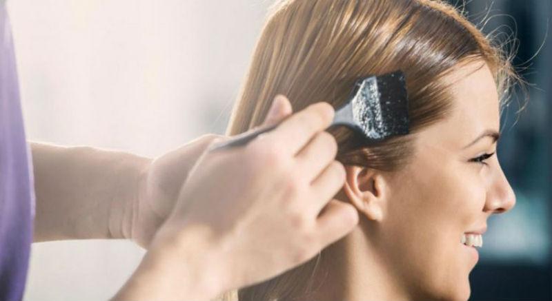 صورة دراسة: إستخدام صباغة الشعر بإنتظام يزيد من خطر سرطان الثدي