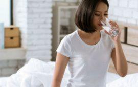 6 فوائد لشرب الماء على معدة فارغة
