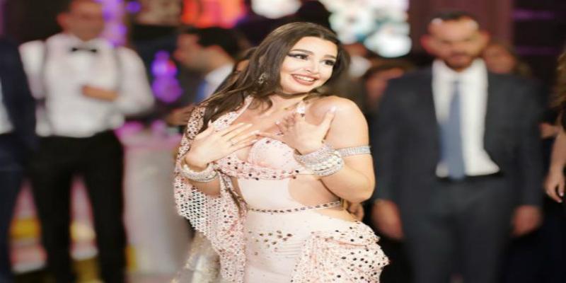 Photo of بسبب فيديوهات مثيرة.. راقصة شهيرة ضمن قائمة الأشخاص الأكثر بحثا على غوغل