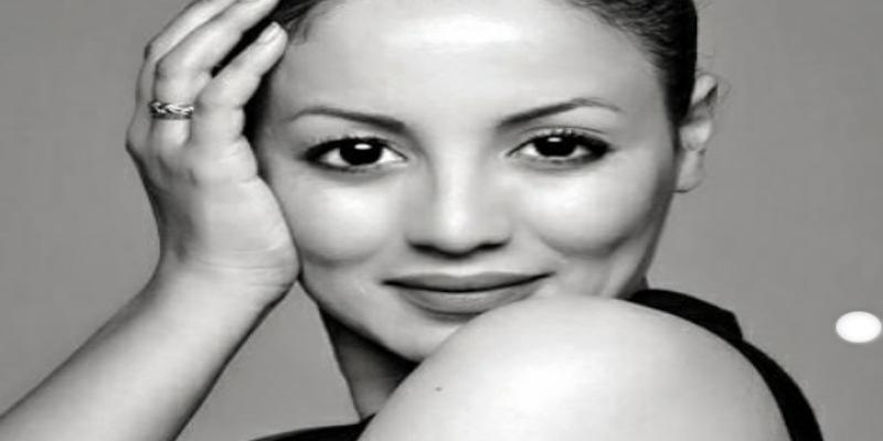 صورة سناء عكرود تكشف عن عمرها الحقيقي- صورة