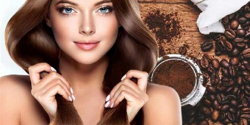 صورة وصفة طبيعية بمسحوق القهوة لحصولك على شعر لامع وصحي