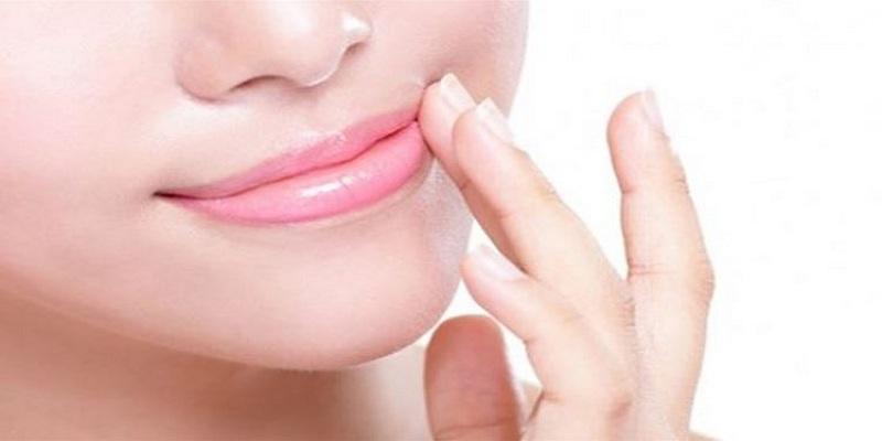 صورة 3 وصفات طبيعية للتخلص من السواد حول الفم