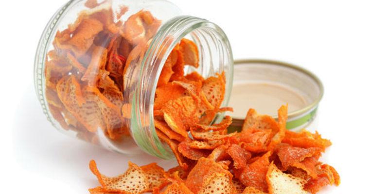 3 خلطات طبيعية بقشور البرتقال لعلاج ترهلات البشرة والشيخوخة المبكرة