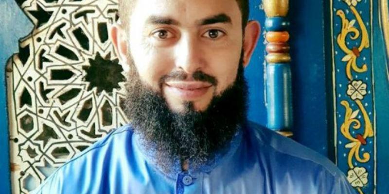صورة الداعية رضوان عبد السلام يحذر متابعيه من تصديق الأبراج