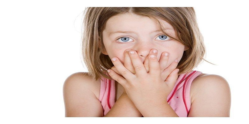 رائحة الفم الكريهة عند الأطفال.. أسبابها وطرق الوقاية منها