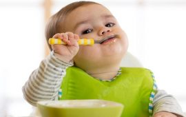 تجنبي إطعام رضعيك الملح والسكر قبل عامه الأول