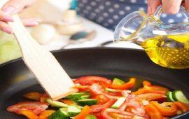 دراسة: زيت الزيتون يحافظ على فوائده حتى بعد طهيه
