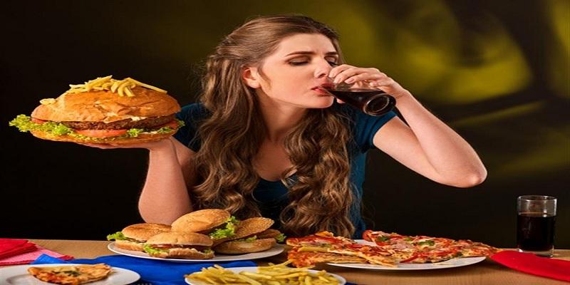 صورة 3 أطعمة غذائية تتسبب في الشعور بالإكتئاب