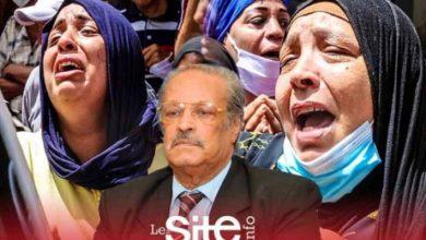 صورة لحظات مؤثرة ومؤلمة لعائلة الفنان عبد العظيم الشناوي خلال نقل جثمانه – فيديو