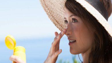 صورة خلطات سحرية لإزالة آثار الشمس من الوجه