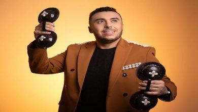 """Photo of بـ """"ستيل ڭناوي"""".. زكرياء الغفولي يتألق في """"الخمسة دالصباح"""" -فيديو"""