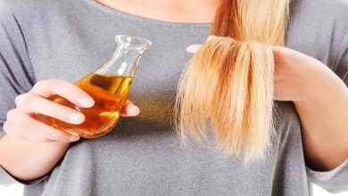 صورة وصفة طبيعية سحرية لحماية الشعر من التساقط في الخريف