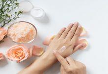 صورة جفاف اليدين في الخريف.. وصفات وعادات علاجية طبيعية